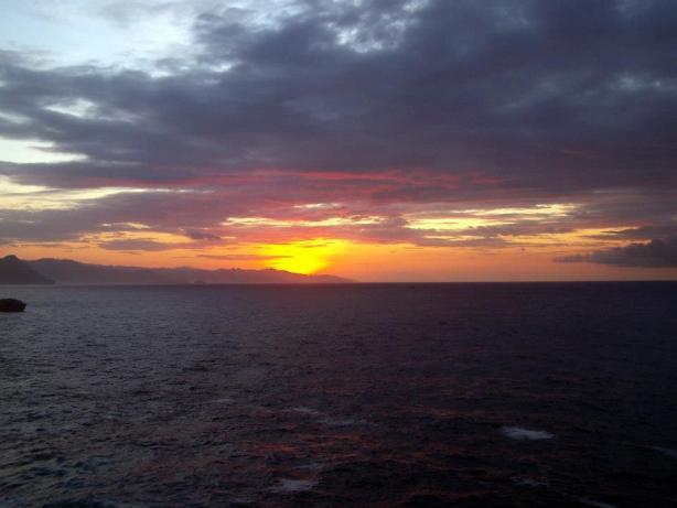 Sunrise dari ujung Sempu